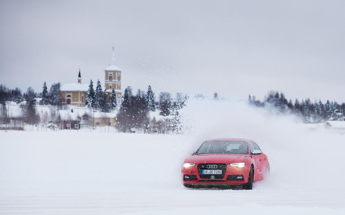 Valokuvaus ja videokuvaus Audi Driving Experience 2016